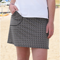 Golf/Walking Zipper Pocket Skort - Red Black Ikat Dot